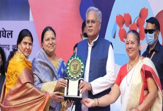 Meet these Indian Wonder Women Conferred with the Chhattisgarh Veerni Awards